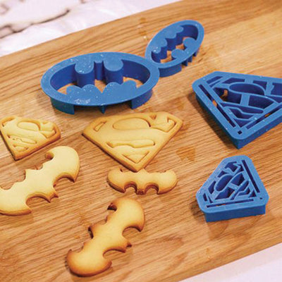 Batman and Superman icing impression cutter set