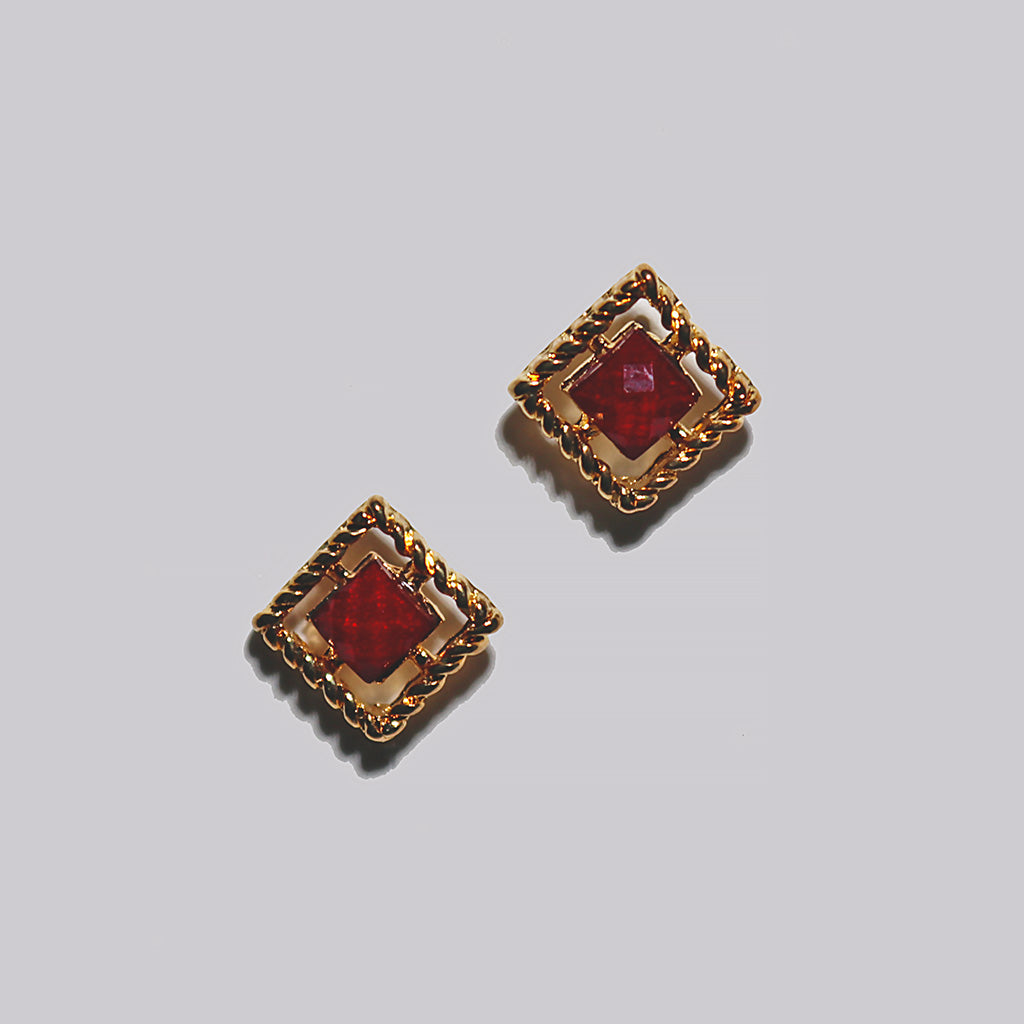 Antique Gold Resin Stud