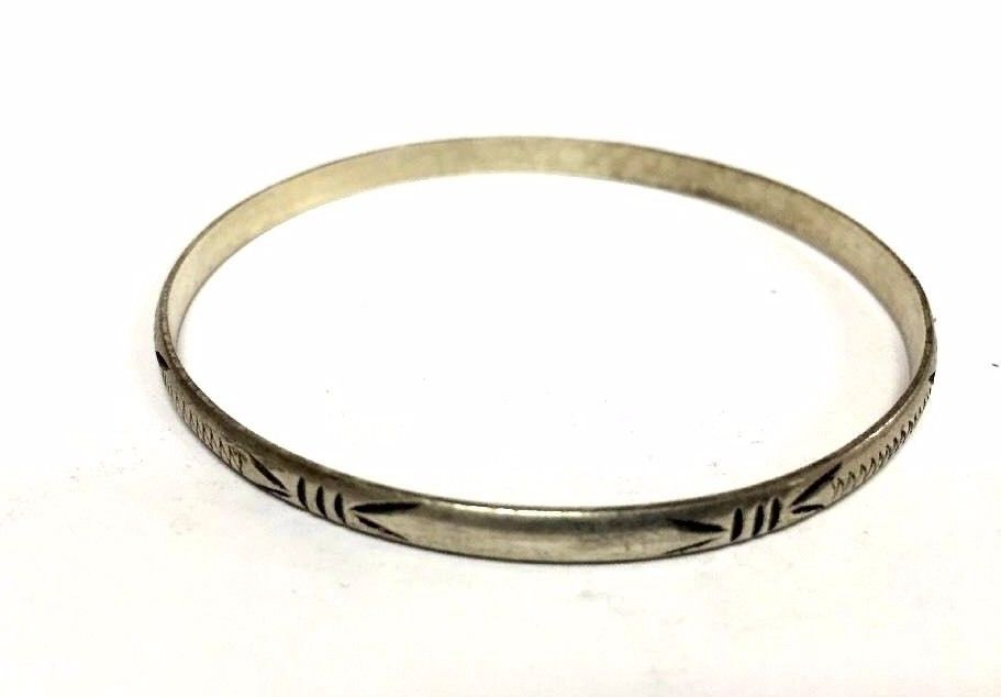 Moroccan Bangle Bracelet in Hammered & Engraved Alpaca Silver Tribal Style (1)