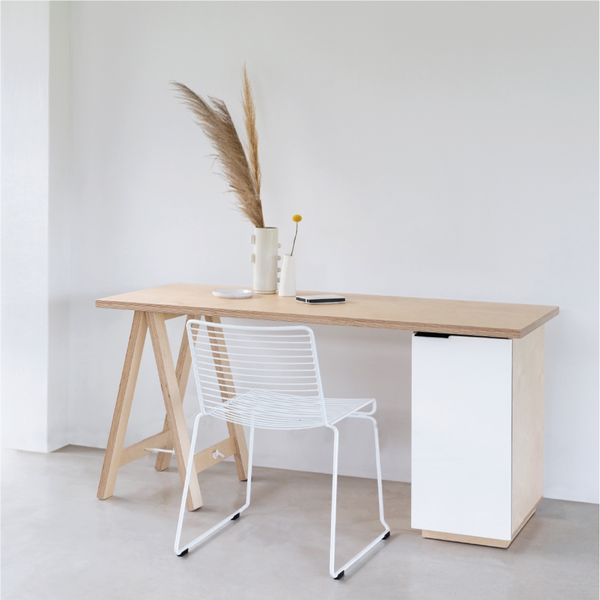 XANTHEA. BIRCH PLYWOOD DESK