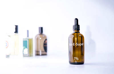 Iso-e-Super: The Phantom in the Formula Sample Pack - Bloom Sample Packs - Bloom Perfumery