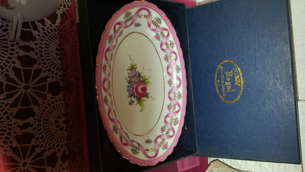 Fine pink and white oval dish