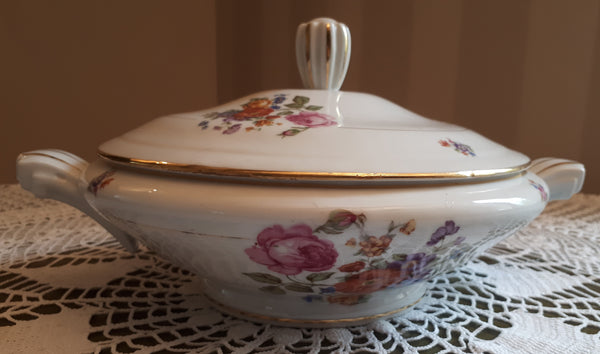 Soup tureen big flowers