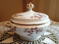 Soup tureen rose and gold