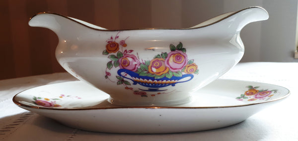 Gravy boat blue basket with roses