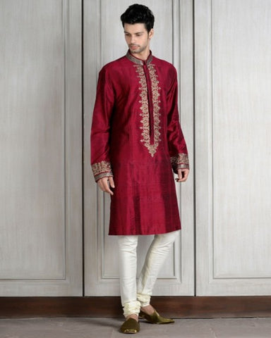 45990785c0b67 Indian people in South Africa, even in this day and age, still adhere to  much of their culture and traditions. When it comes to clothing, western  attire is ...