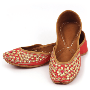 Red Droplets Handcrafted Women's Punjabi Leather Jutti