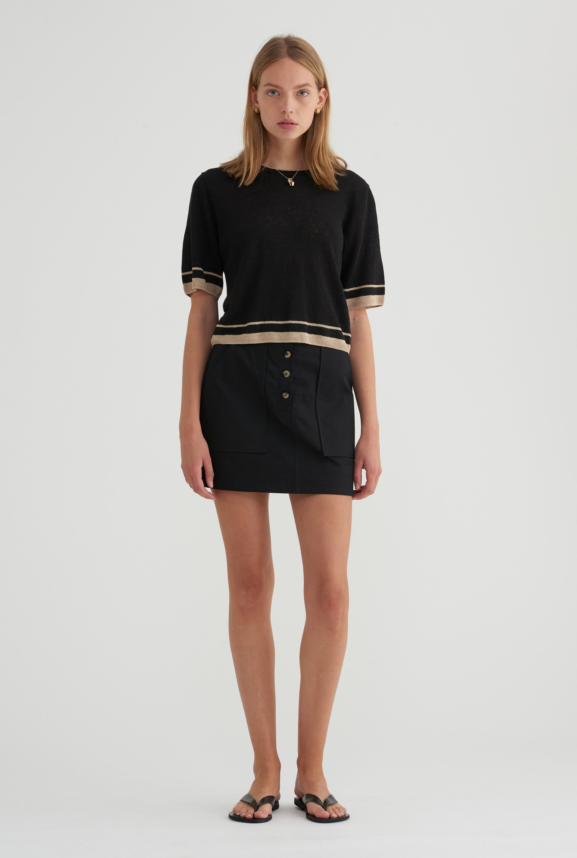 Cropped Knitted T-Shirt - Black