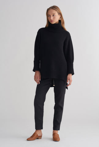 Chunky Cashmere Roll Neck - Black