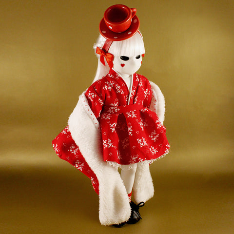 Herae TEA CUP 'Custom Couture' Little Apple Doll