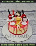 Who doesnÕt love to take selfie! A cake for someone so beautiful who like to dress and doll up