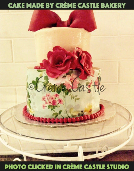 Floral cake with pastel colors - cremecastle