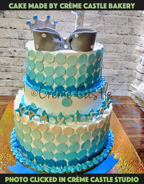 Blue polka dots color theme cake - cremecastle