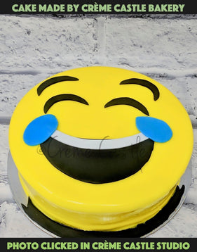 Minion Laughing Cake - cremecastle