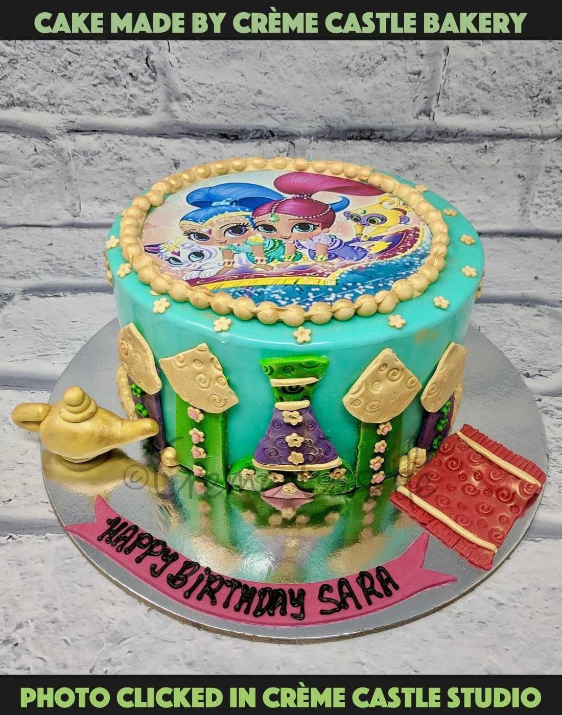 Is your child a cartoon fanatic? Then this is the perfect cake for your little ones who are always glued to the TV. Celebrate your little one's birthday with Shimmer and shine themed cake.