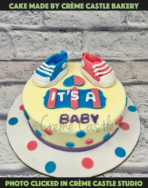 Baby Booties Cake - cremecastle