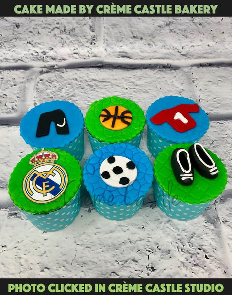 Football Cupcake - cremecastle