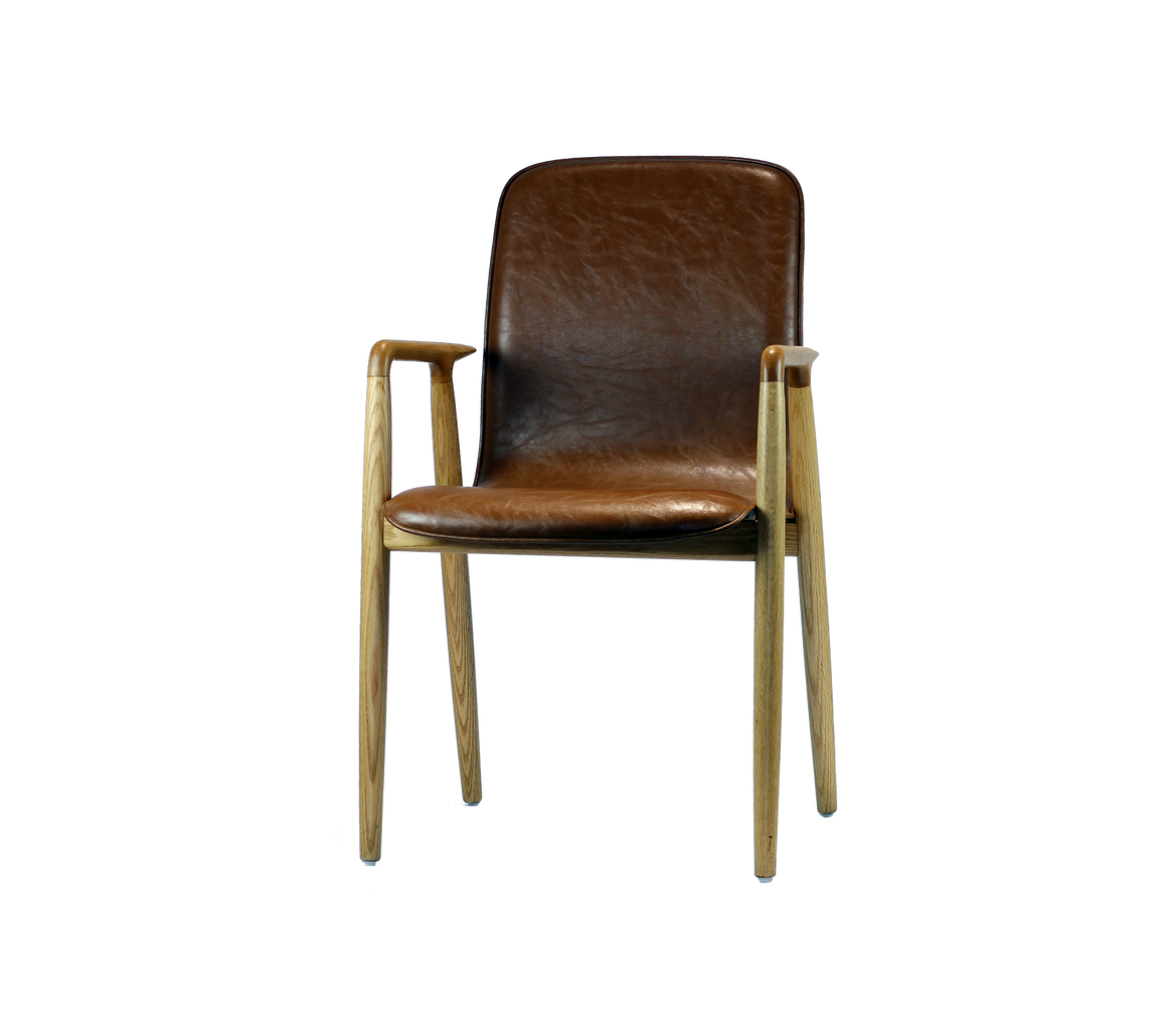RÖCHU CHAIR