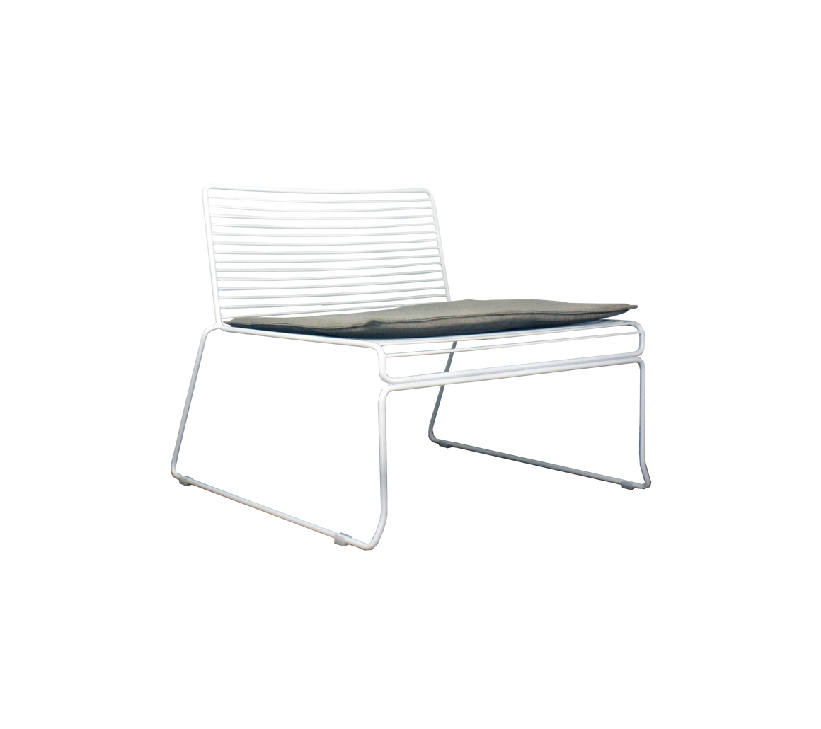 GUSTI LOUNGE CHAIR
