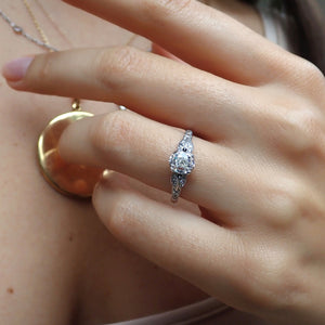 Vintage Engagement Ring, Oval 1.08ct.