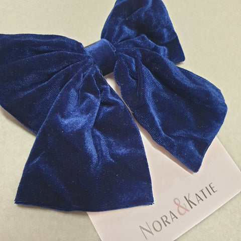 Traditional velvet hair bow - navy
