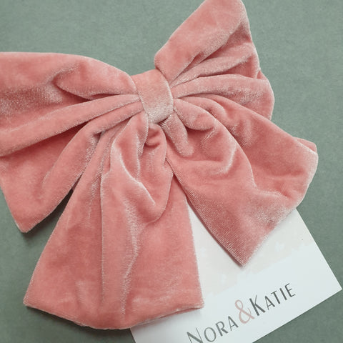 Traditional velvet hair bow - pink