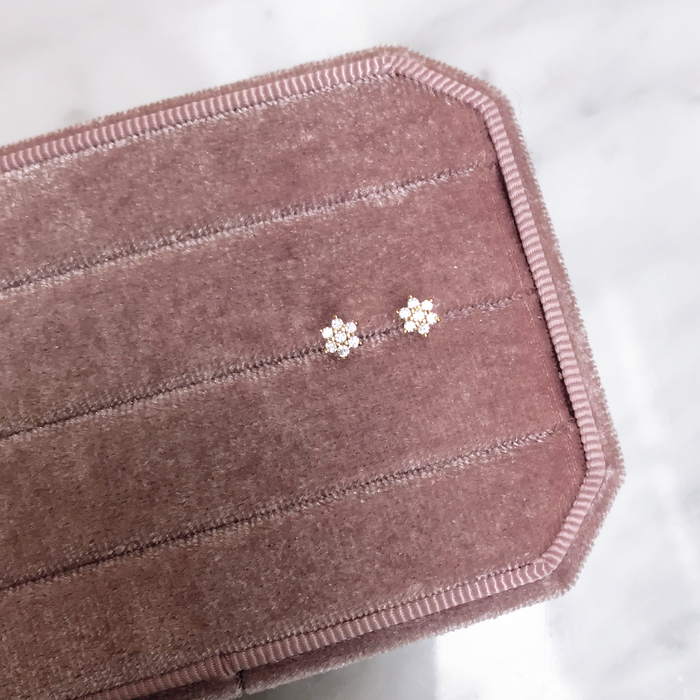 'FLOWER STUD' Earrings in Goud