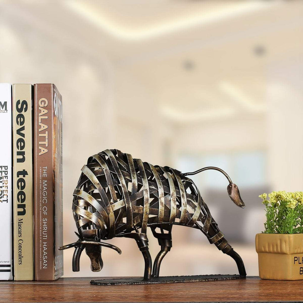 Metal Sculpture Iron-made Braided Bull in two colors - HomeWareBargains