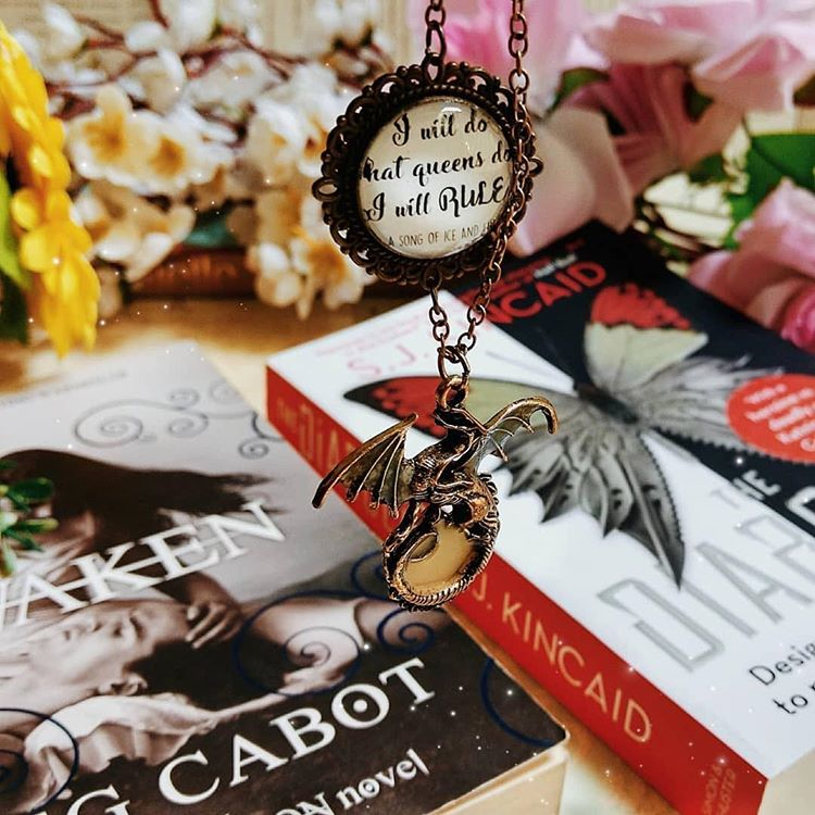"Mother of Dragons Daenerys Targaryen Necklace - ""I Will Rule"""
