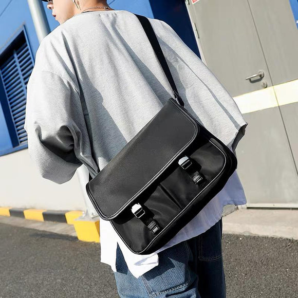 Simple design Black Sling Bag 1916
