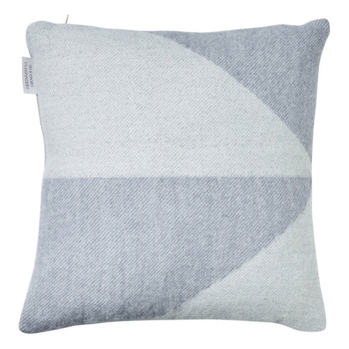 Focus on Twist Wool Pillow