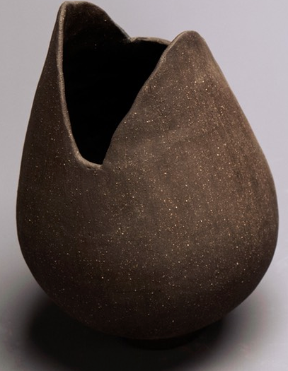 Small Black Vase / Lisa Jensen