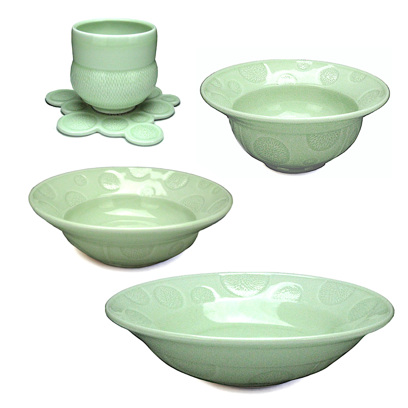 Green Dots Dinner Set / KyoungHwa Oh