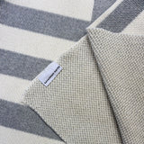 Fallingwater Throw Blanc
