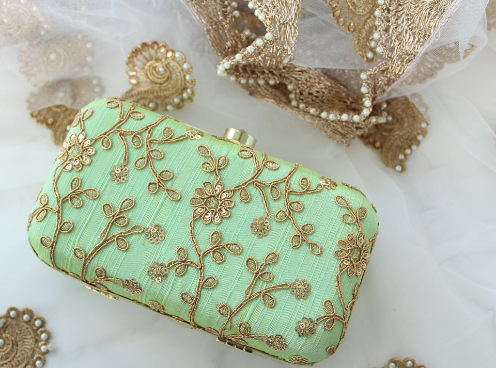 The Freya Clutch