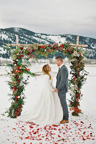Winter wedding pros and cons