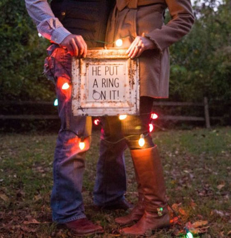 festive engagement announcement ideas
