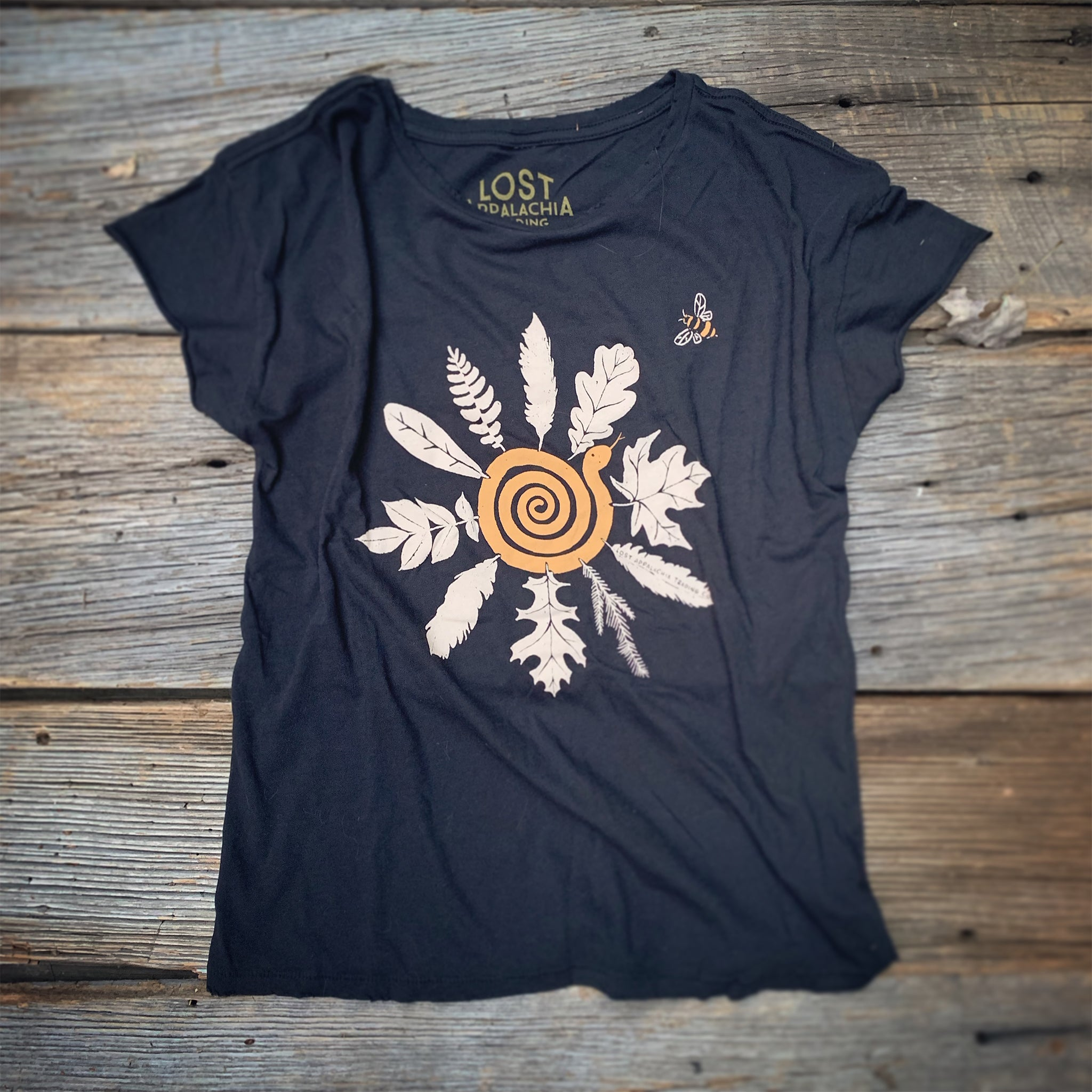 Snake Flower Bee Women's Tee
