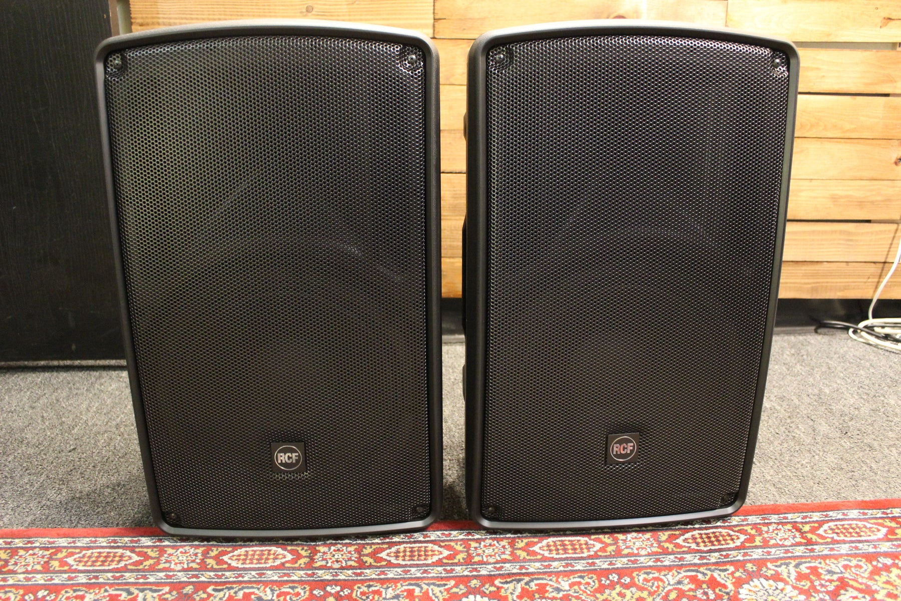 RCF HD-32A MK4 Active 2 Way Speakers (2) with Speaker Covers