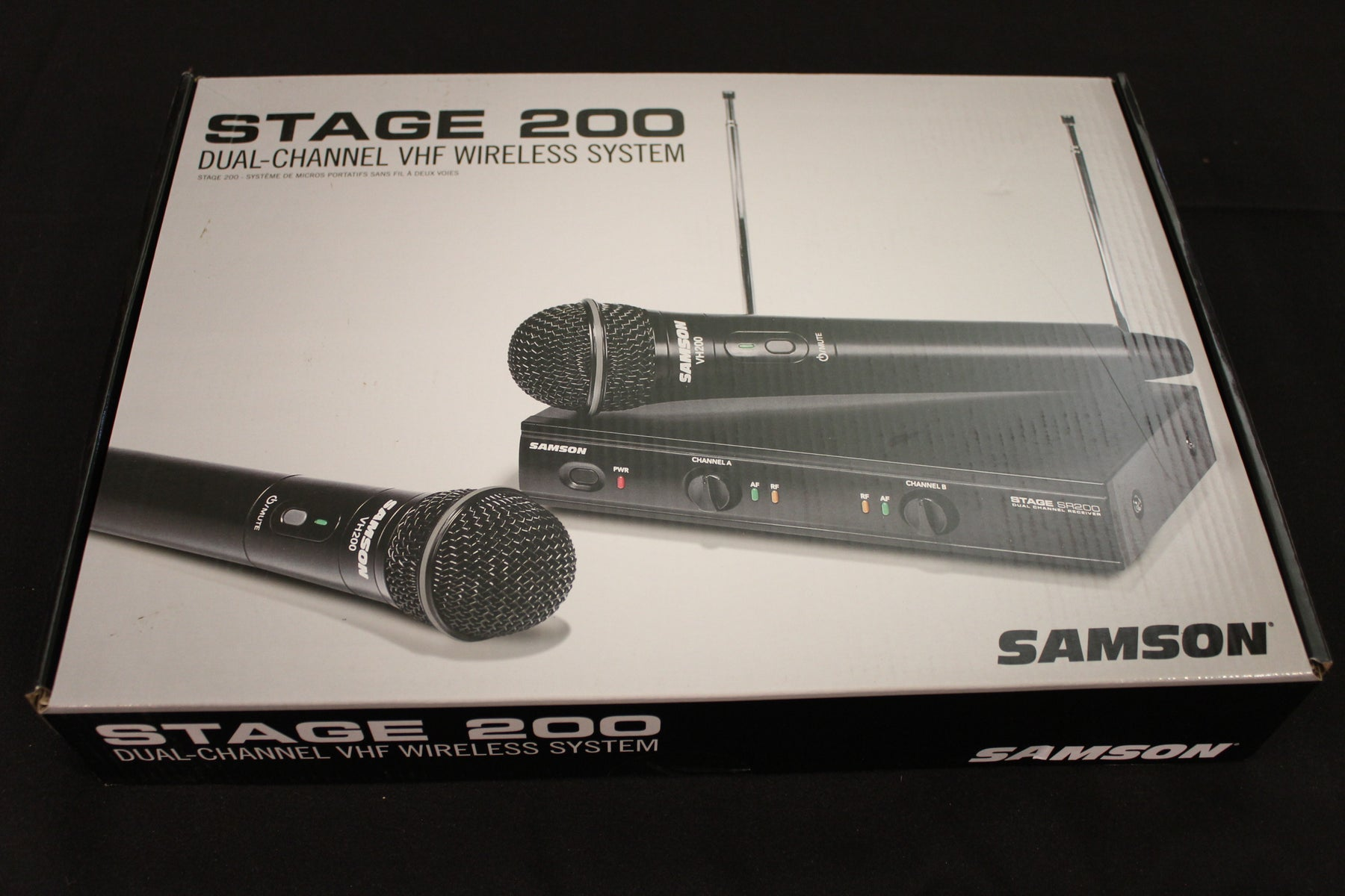 Samson Stage 200 Dual Vocal Wireless System (2) Q6 Dynamic Mics (SR200/VH200-Q6) - Group A