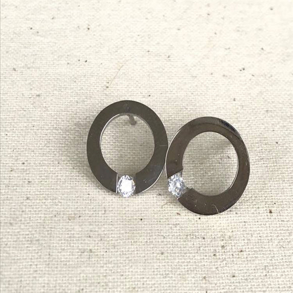 Circle and Diamonte earring