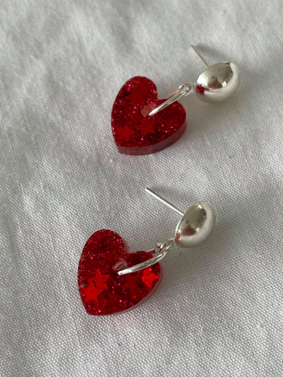 Glitter red hearts on silver stud