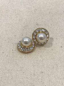 Pearl and diamonte earring