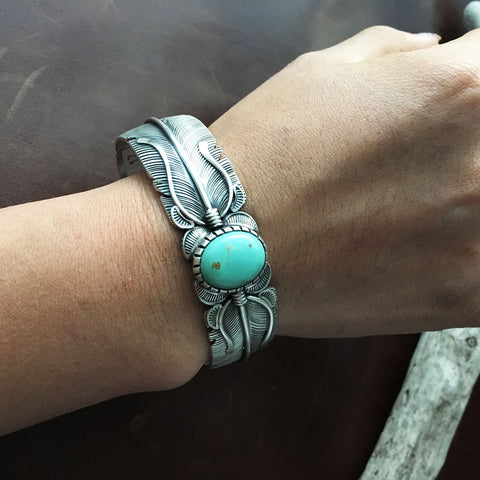 Beautiful Feather Sterling Light Tiffany Green Campitos Turquoise Bracelet