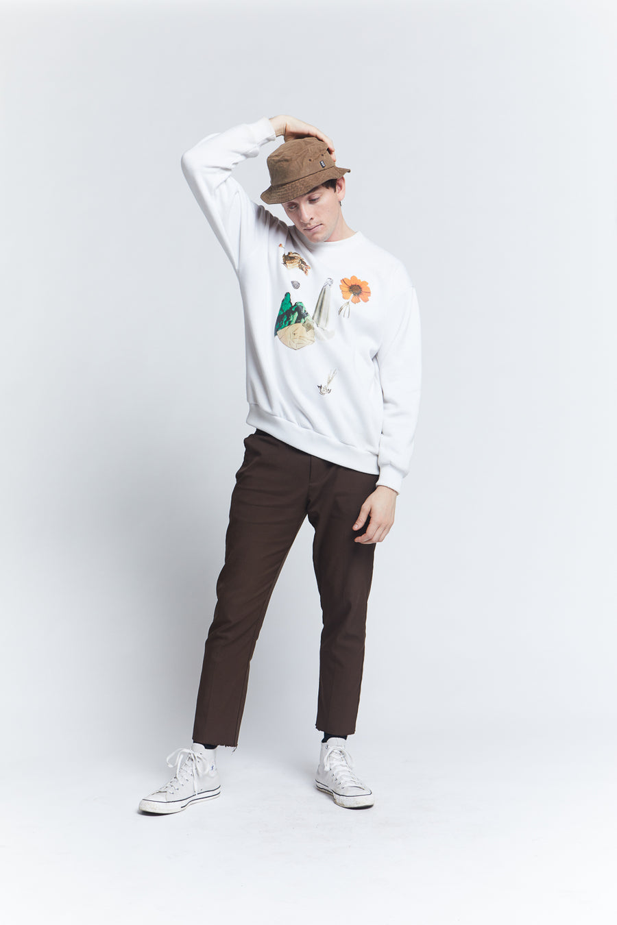 long-sleeve-white-grapic-tee-cotton-regular-fit