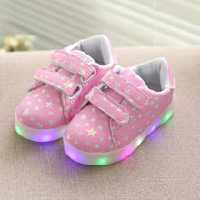 Kids Glowing Shoes Boys Girls Luminous Sneakers LED Flash Running Lights Light Up Shoes (Order one size up)