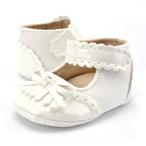 Flower Spring / Autumn Infant Baby Shoes Moccasins Newborn Booties for Newborn 3 Color Available  0-18 Months