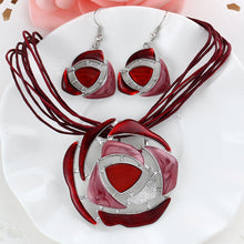 Fashion Crystal Jewelry Set, Chain Pendant Necklace, Earrings.