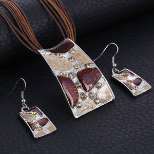 Latest Artistic Jewelry Set with Necklace & Earrings