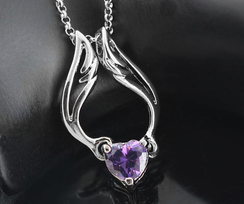 Hot selling 2017 Luxurious Zircon Heart with Angel Wings Pendant Necklace.